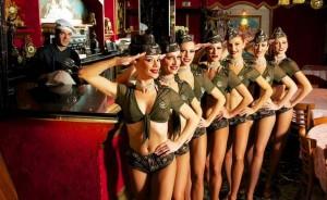 Cabaret le Baroque - dîner spectacle dansant pas cher