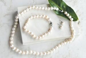 Parure en perles d'eau douce a moins de 11€