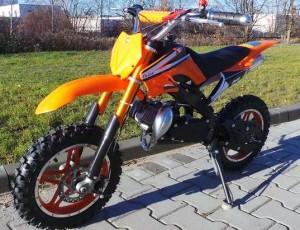 petite moto Dirt Bike de cylindrée 49cc à seulement 199,99 euros
