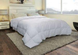bonne affaire couette plume d 39 oie anti acariens d s 29 90. Black Bedroom Furniture Sets. Home Design Ideas