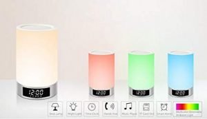 Moins de 28€ la lampe LED de chevet smart
