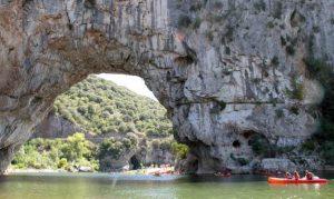 Descente en canoë de l'Ardèche à 99€ pour 4 personnes