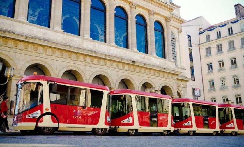 C:\Users\HP\Desktop\Tour en petit tram de Lyon pas cher.jpg