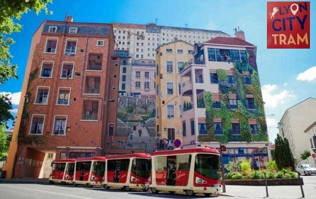 tour en petit tram de lyon pas cher 3 le billet enfant 6 adulte 16 famille lyon city tram. Black Bedroom Furniture Sets. Home Design Ideas