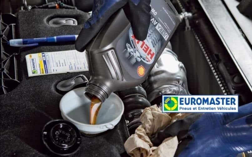 Révision constructeur moins chère : 30€ de remise en centre auto Euromaster