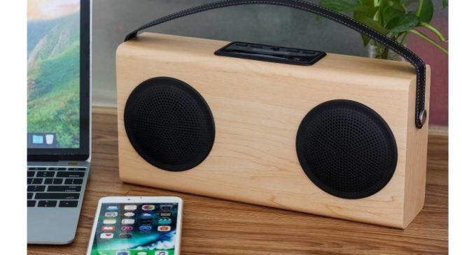 moins de 29€ enceinte Bluetooth bois chargeur smartphone port inclus