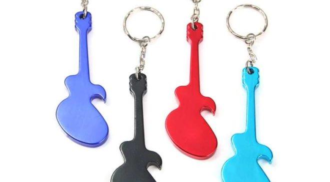 MINI PRIX : 9 centimes le porte-clé guitare ouvre bouteille en aluminium port inclus
