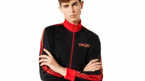 Oakley vêtements et accessoires à moitié prix