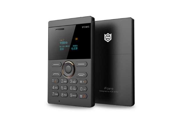 Mini téléphone format carte bancaire pas cher iFcane E1