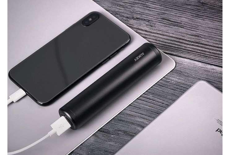 petite batterie externe Aukey 7000mAh