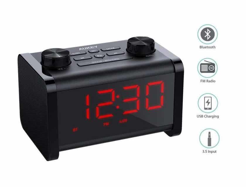 radio réveil Aukey avec fonction enceinte Bluetooth et sortie charge USB SK-M3