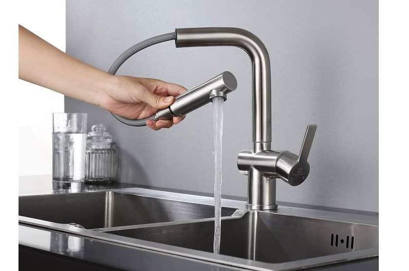 robinet de cuisine pivotant avec douchette extractible Homelody