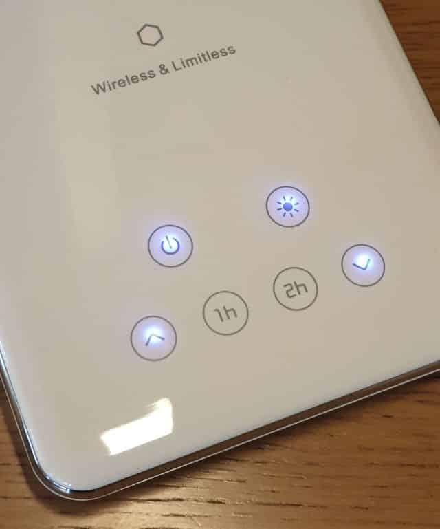 panneau de commande lampe de bureau LED & chargeur QIAGM