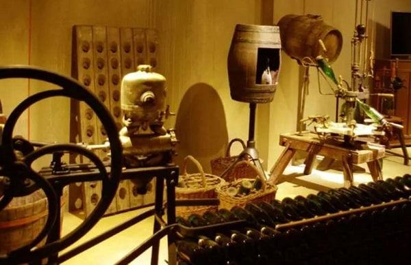 Visite Guidée Et Dégustation Bulles & Lumières Maison Guinot Pas Chère
